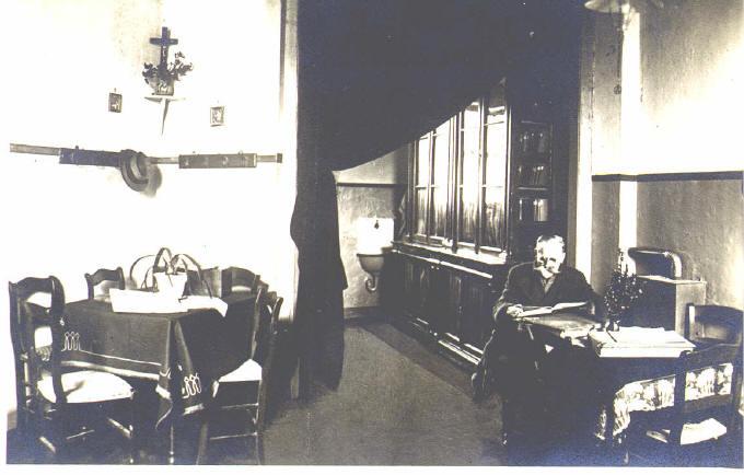 Alte Pfarrbücherei altes Haus Fam .Odenkirchen Hülserstr