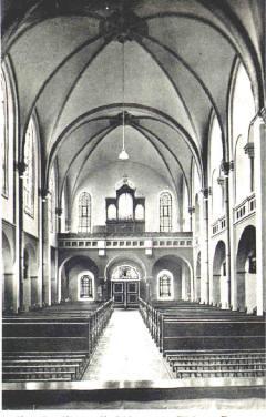 Kirche mit blick auf die Empore 1915